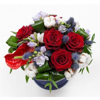 Rosas y Algodón en una caja decorativa